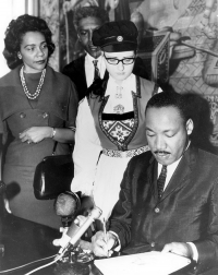 Agnete Pihl with Martin Luther King, Jr.