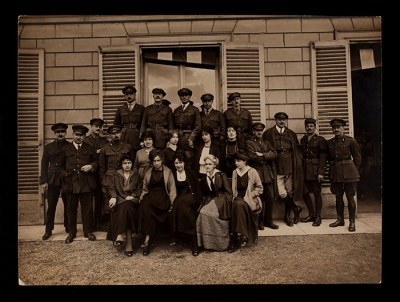 Group of AFS drivers and headquarters staff at 21 rue Raynouard