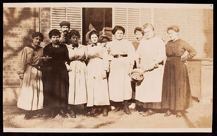 Kitchen and housekeeping staff at 21 rue Raynouard